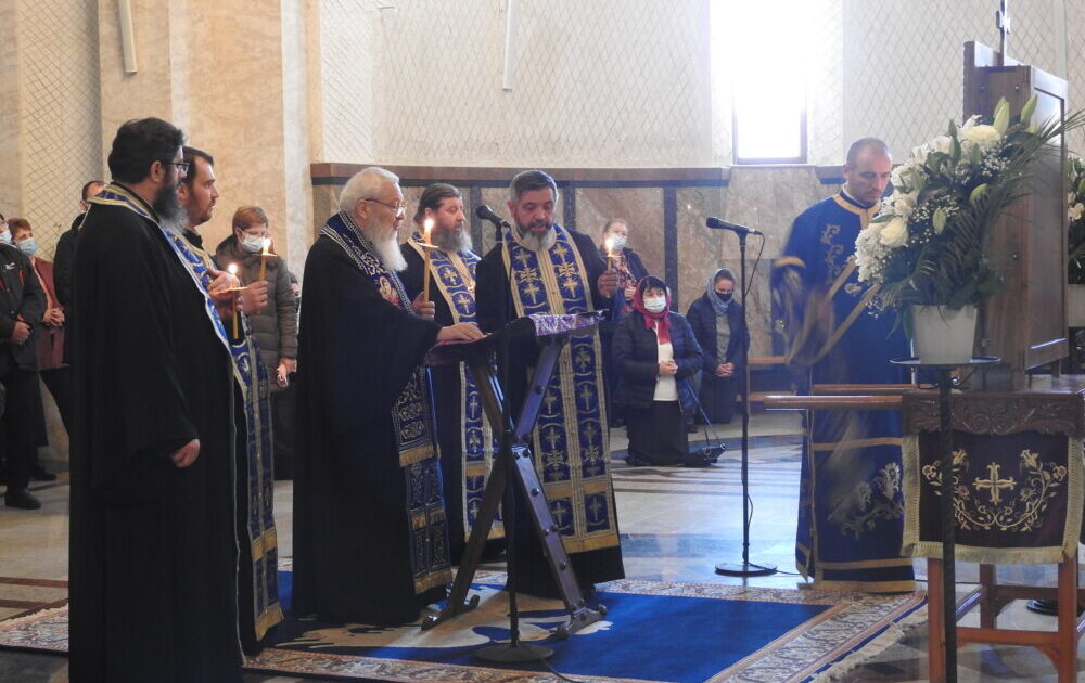 Mitropolitul Clujului a oficiat Denia Acatistului Bunei Vestiri la Mănăstirea Nicula