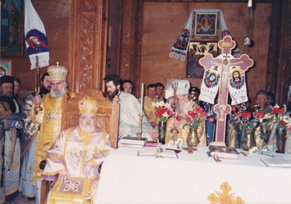 Hirotonia întru arhiereu (17 aprilie 1994) Credit foto: Episcopia Ortodoxă Română a Maramureșului și Sătmarului