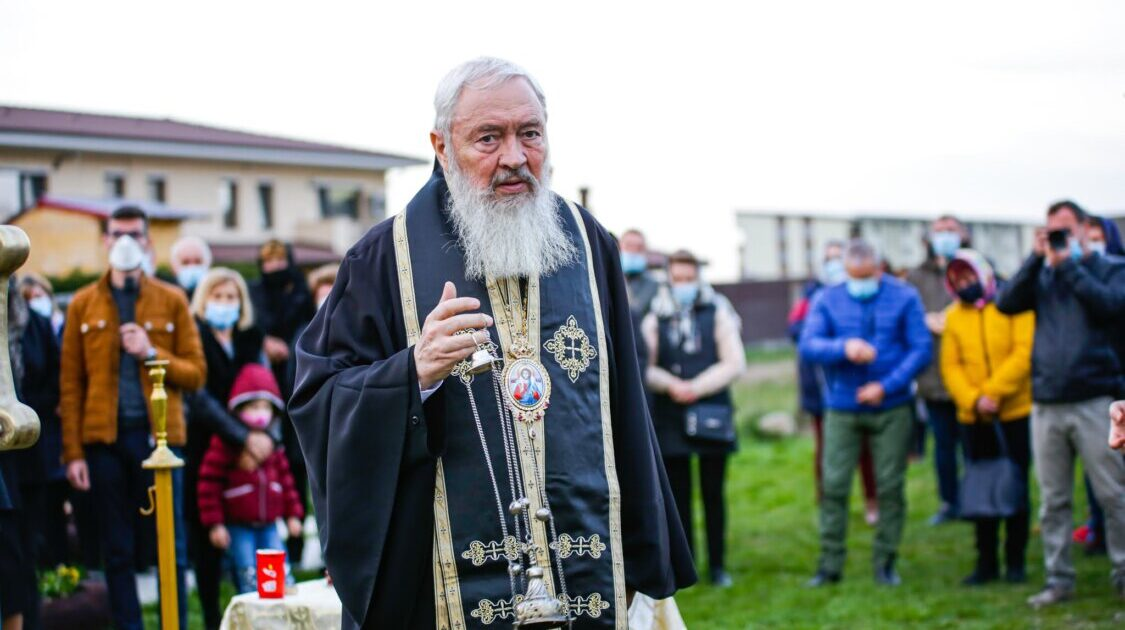 Săptămâna Patimilor | Mitropolitul Andrei a binecuvântat trei comunități din Eparhia Clujului