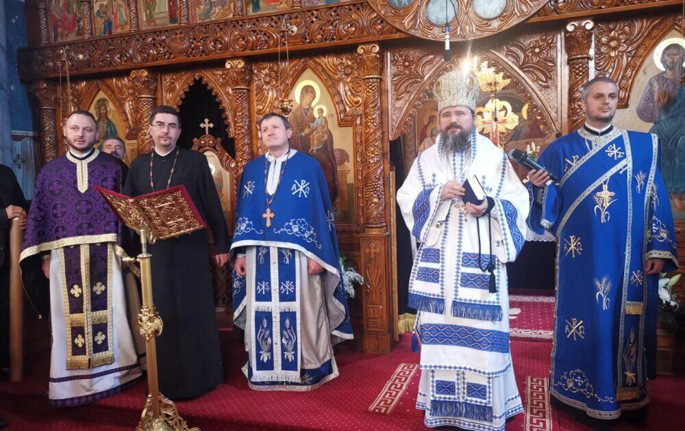 Liturghie arhierească, lansări de carte și recital de pricesne, la Bistrița