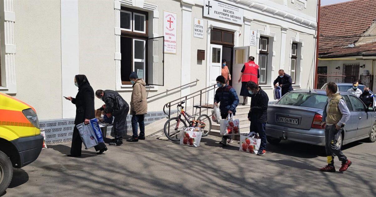 Filantropia Bistrița-Năsăud | 4 tone de alimente dăruite în cadrul campaniei umanitare de Paști