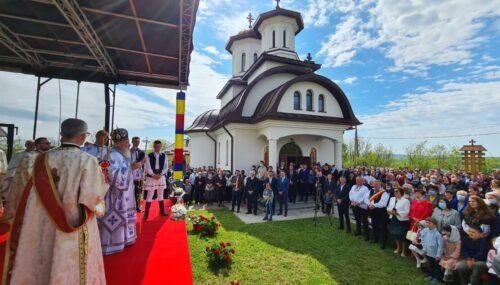 Biserica din Zorenii de Vale, târnosită de Mitropolitul Clujului
