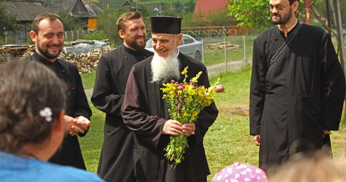 """Preasfințitul Părinte Vasile: """"Destinația cea mai sigură este Împărăția Cerească"""""""