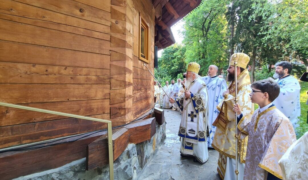 Biserica Studenților din Campusul universitar Hașdeu, sfințită de ierarhii Arhiepiscopiei Clujului