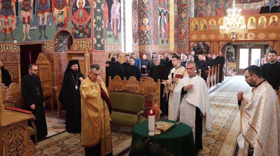 Clericii din Protopopiatul Cluj I, întruniți în cadrul conferinței preoțești semestriale