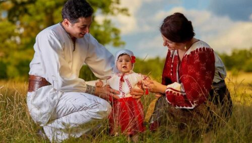 Patriarhul Daniel: Duminica Părinților și Copiilor – prilej de omagiere și susținere a familiei creștine