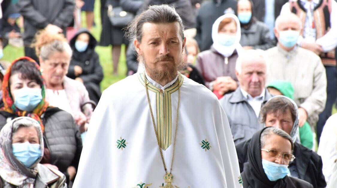 Despre eroii de pe Grui, cu părintele Gavril Horț