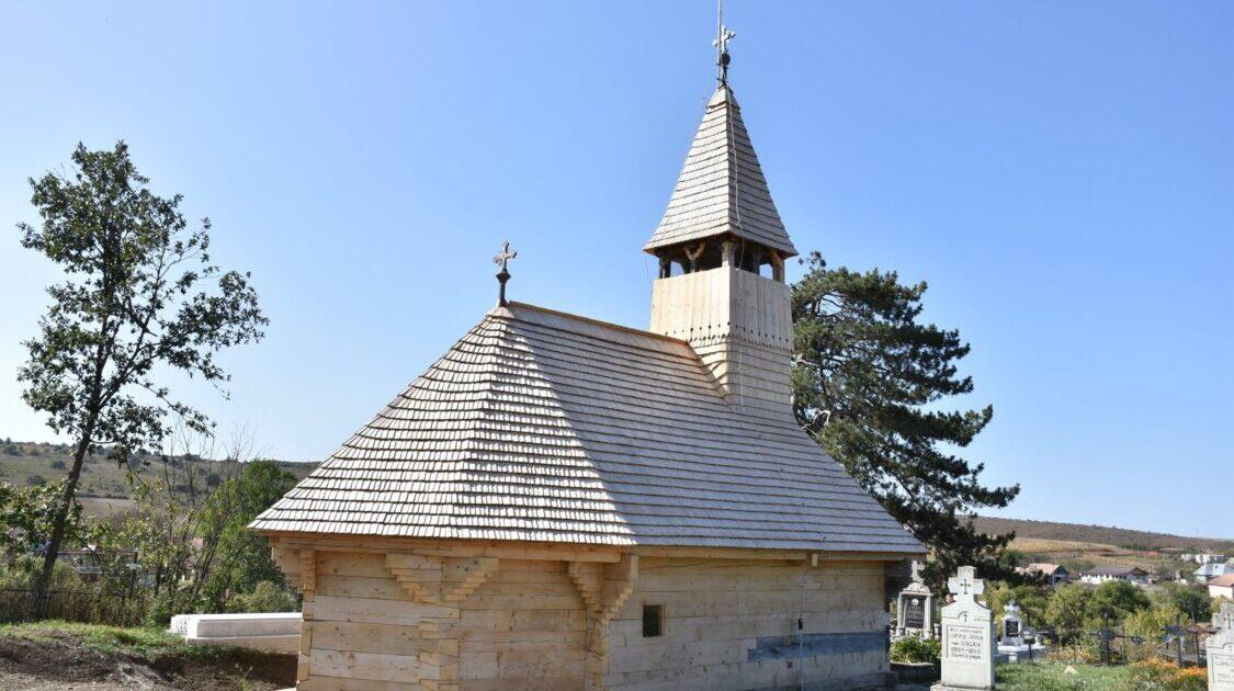 (Interviu) Restaurarea bisericii de lemn din Săliștea Veche
