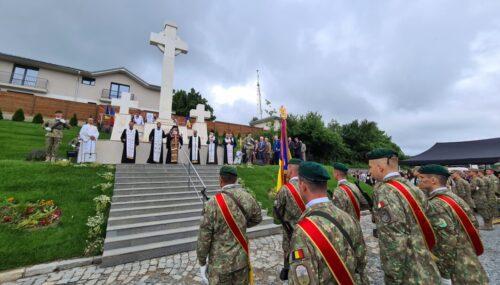 Slujire arhierească la Mănăstirea Feleacu și sfințirea Monumentului Eroilor din Dealul Feleacului