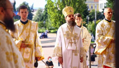Liturghie arhierească la Catedrala Mitropolitană din Cluj-Napoca, în Duminica a 4-a după Rusalii
