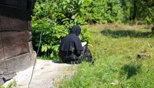 Călugării adevăraţi sunt virtuoşi și smeriţi