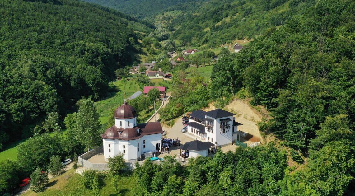 Mănăstirea Pantocrator din Beclean, singura din țară închinată Sfântului Paisie Aghioritul, şi-a sărbătorit hramul