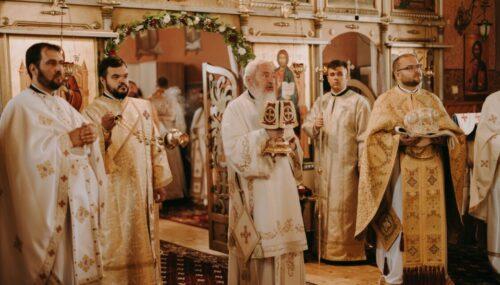 50 de ani de la sfințirea bisericii din Geaca, sărbătoriți în prezența Părintelui Mitropolit Andrei