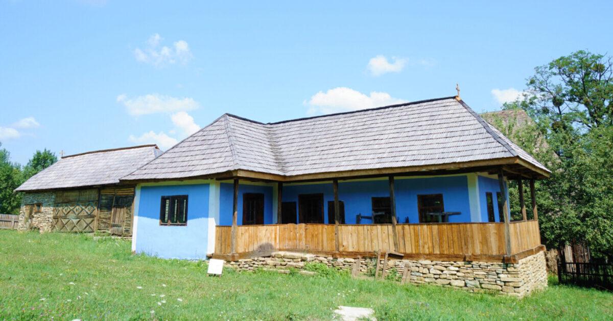 Casă tradițională, donată de Episcopul Macarie pentru Muzeul Etnografic al Transilvaniei