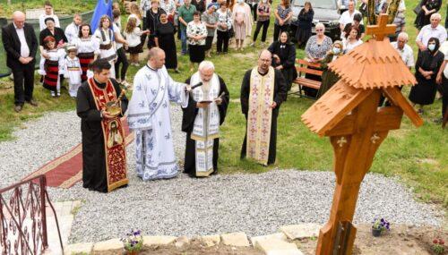 Mitropolitul Andrei a sfințit casa parohială din Șoimeni și a binecuvântat noul Centru Biblic Catehetic