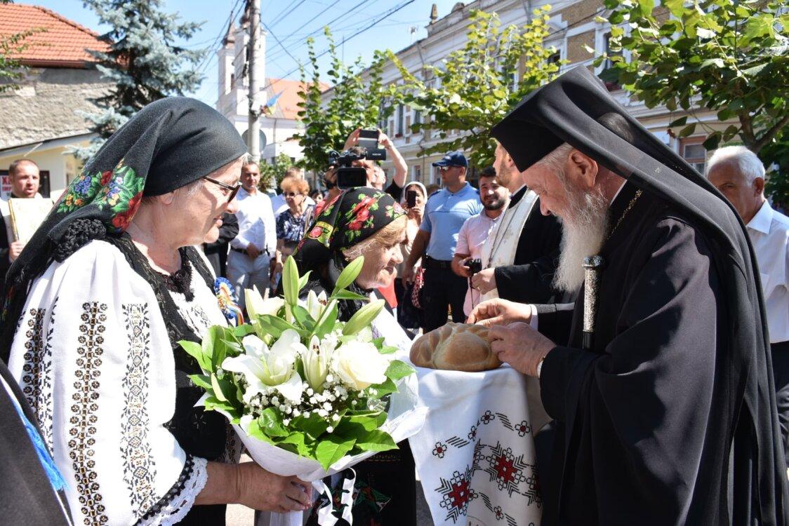 """Mitropolitul Clujului, alături de mii de credincioși, la pelerinajul """"La Nicula colo-n deal"""""""