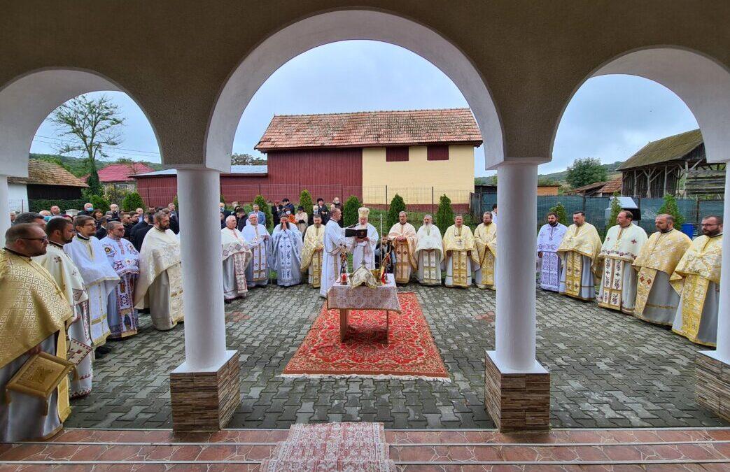 """Sfințirea Bisericii """"Pogorârea Sfântului Duh"""" din Boteni"""