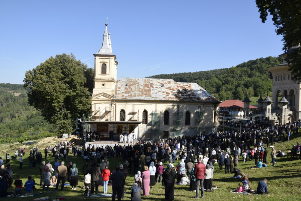 Sărbătoarea Nașterii Maicii Domnului, la Mănăstirea Nicula | Tunderea în monahism a părintelui Chiriac Bărăian