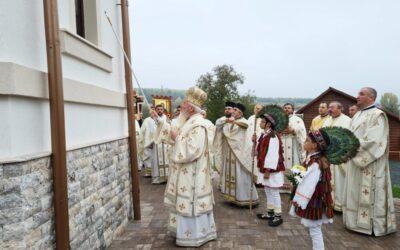 Biserica din Lunca, resfințită de Mitropolitul Clujului