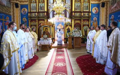 Binecuvântare arhierească și sfințire de capelă mortuară în Parohia Galații Bistriței