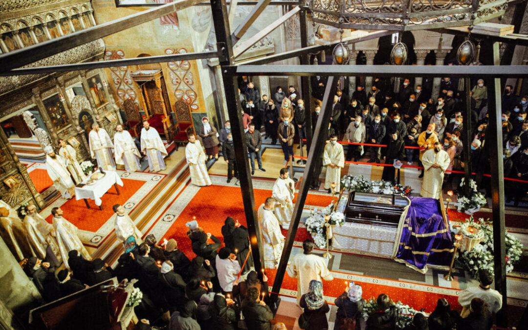 Sfânta Liturghie arhierească și slujbă de pomenire pentru PS Episcop Vasile, la Catedrala Mitropolitană