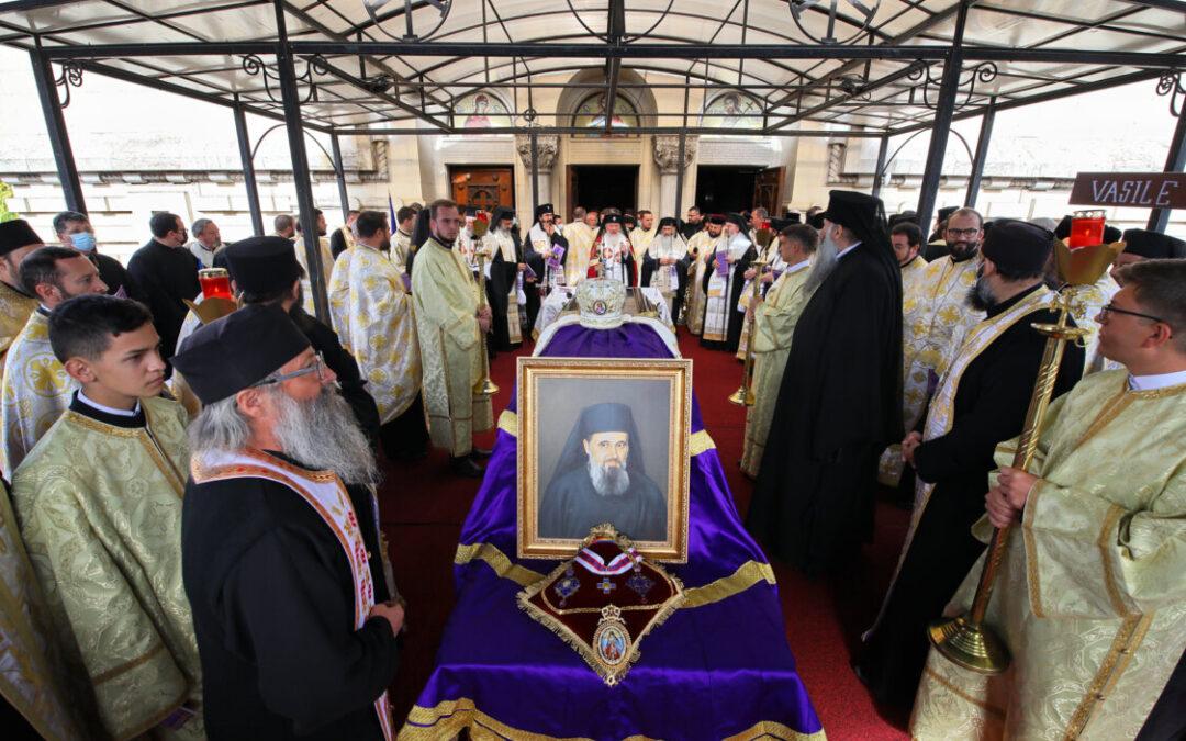 Sfânta Liturghie arhierească, prohodirea și înhumarea Preasfințitului Părinte Episcop Vasile