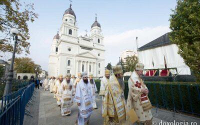 PS Benedict Bistrițeanul a participat la hramul Sfintei Cuvioase Parascheva de la Iași
